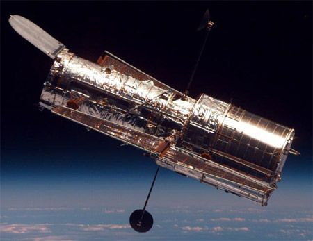The Hubble Space Telescope vs. New James Webb Space ...